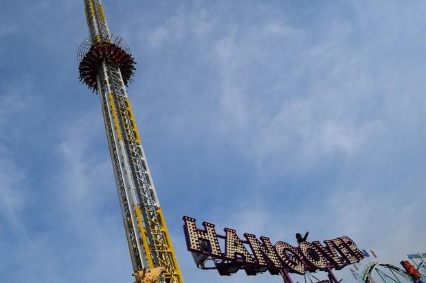 """""""Hangover The Tower"""" von Schneider in Düsseldorf"""