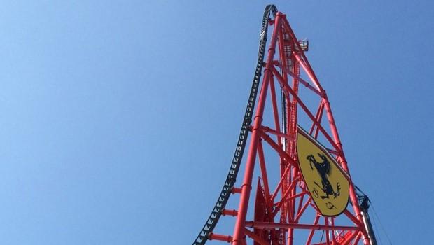 Top-Hat der Achterbahn im PortAventura Ferrari Land