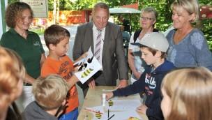Zoo Rostock 2016 mit neu angelegter Wildblumenwiese zum 15. Geburtstag der Zoo-Imkerei