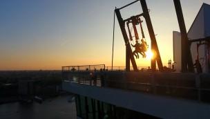 Schaukeln in 100 Meter Höhe: Höchste Schaukel Europas in Amsterdam eröffnet