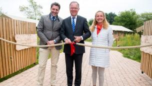 Niedersachsens Ministerpräsident Stephan Weil eröffnet neue Lodges im Serengeti-Park