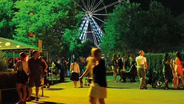 Skyline Park in der Nacht - Beleuchtung
