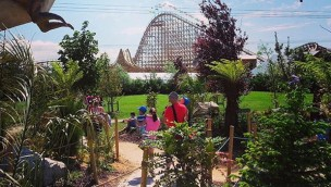 Tayto Park - Blick auf Cu Chullain Coaster