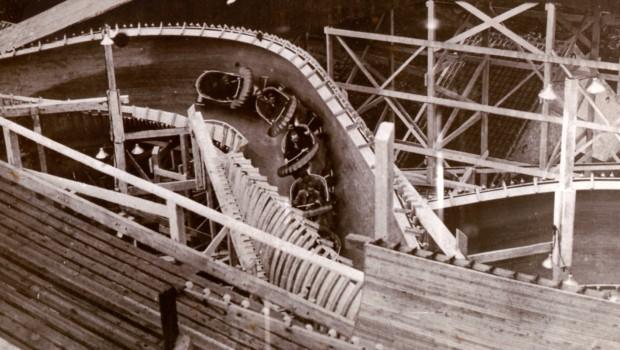 MACK Rides Bobbahn aus Holz 1951