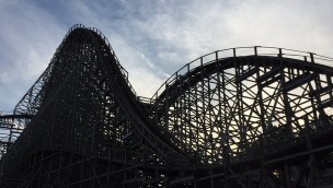 """Mean Streak"" in Cedar Point im Sonnenuntergang"