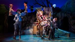 """Neues Märchen-Musical in Efteling: """"Der gestiefelte Kater"""" feierte Premiere im Efteling-Theater"""