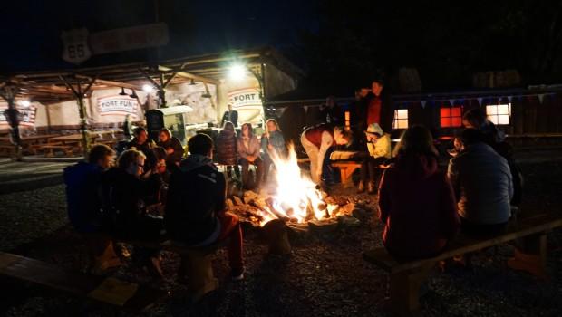 FORT FEAR Lagerfeuer im FORT FUN Abenteuerland zu Halloween