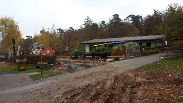 """Baustelle von """"ERLIs Wackelstein"""" im Erlebnispark Steinau (November 2016)"""