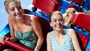 """Wer wird """"RollercoasterGirl 2017""""? Europa-Park sucht junge Frau, die Achterbahnen liebt"""