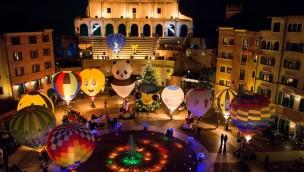 """""""Ballonglühen"""" im Europa-Park verzaubert im November 2019 auf Piazza des Hotels """"Colosseo"""""""