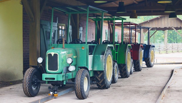 Landerlebnis Janßen - Traktorbahn