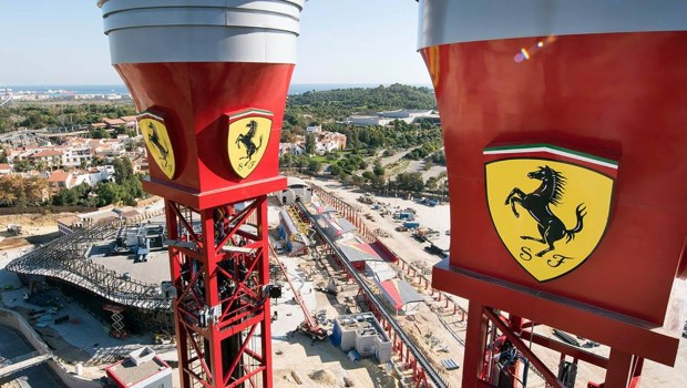 Ferrari Land Free Fall Tower Vogelperspektive