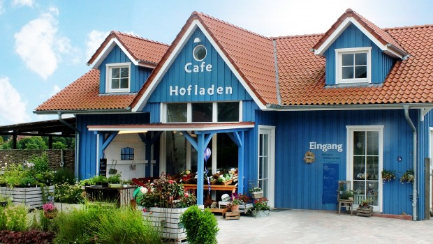 Filippos Erlebnisgarten Hofladen blaues Haus