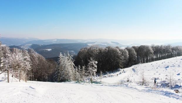 FORT FUN Winterwelt - Abfahrt vom Sessellift