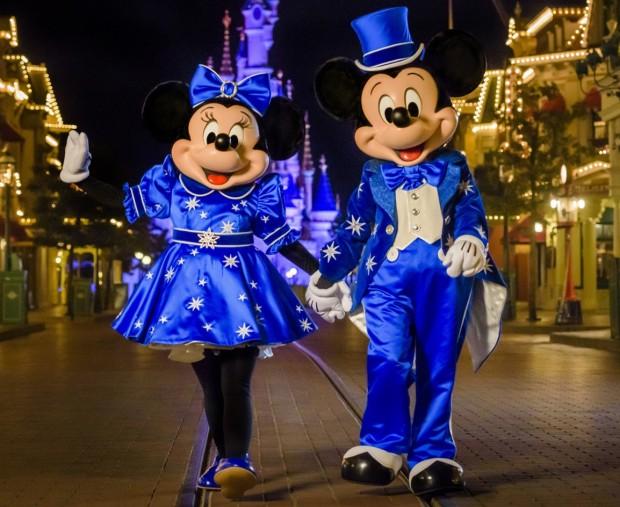 Geburtstags-Outfit Mickey Mouse 2017 Disneyland Paris Komplettansicht