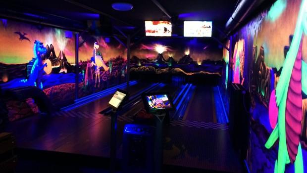 Schwarzlicht-Bowling - Kids-Dinoworld