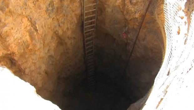 Unterirdischer Free Fall Tower Loch - Hounted Mine Drop in Glenwood Caverns