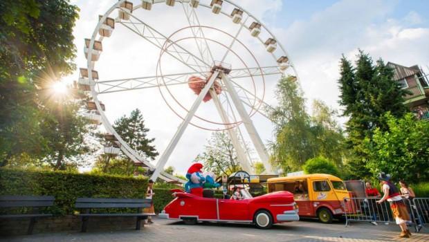 Bobbejaanland Riesenrad Parade Stimmungsfoto