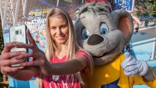 """Ein Jahr freier Eintritt in den Europa-Park: Das ist das erste """"RollerCoasterGirl""""!"""