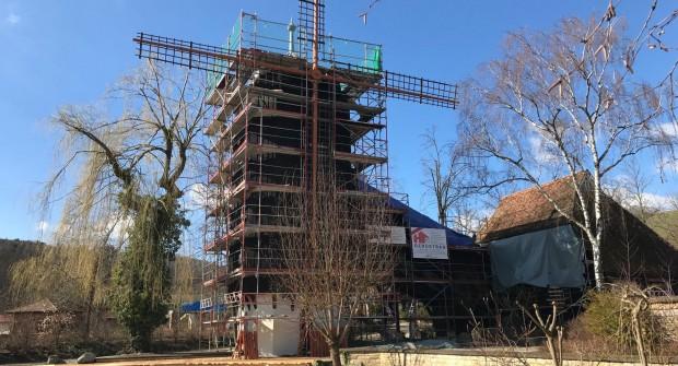 """Renovierung von """"Altweibermühle"""" in Tripsdrill"""