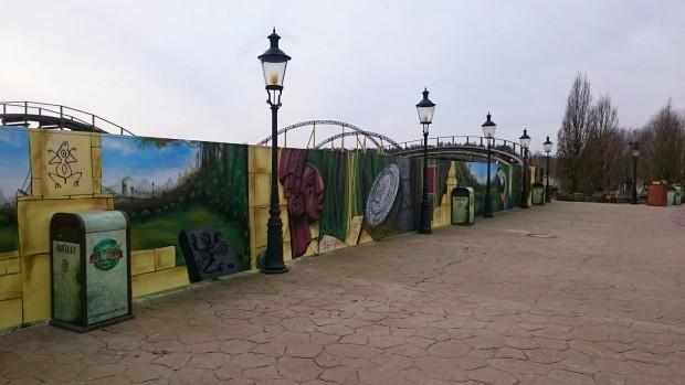 Ein Bauzaun wurde bereits vor der Schlussbremse Colossos' errichtet. (Foto: Heide Park Resort)