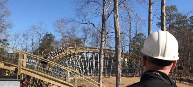 """Testfahrt von """"InvadR"""" in Busch Gardens Williamsburg"""