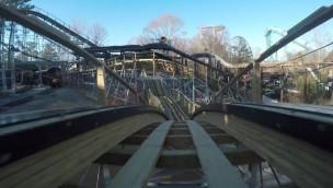 """Hier fährt """"InvadR"""": Busch Gardens Williamsburg zeigt Mitfahr-Video zu neuer Holzachterbahn"""