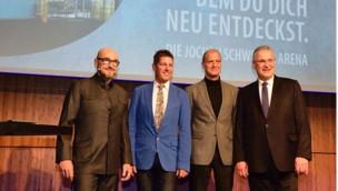 Eröffnungsfeier 2017 in der Jochen Schweizer Arena: VIPs fliegen und surfen