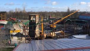 """""""Eine Reise durch das Mittelalter""""-Baustelle im Blick: Aufbau von neuer Familienachterbahn im Ferienzentrum Schloss Dankern macht Fortschritte"""