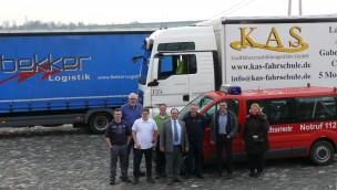 """Trucker-Erlebnis für Kinder bei """"Wunderland Kalkar on Wheels"""" 2017:  Erste Testfahrt über Emmericher Rheinpromenade erfolgt"""