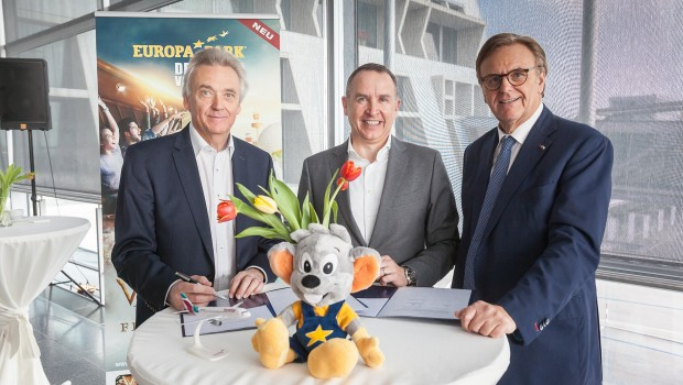 Europa-Park Eurowings Vertragsunterzeichnung Kooperation