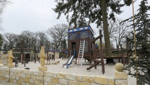 Jaderpark Löwenpalast Familienspielplatz