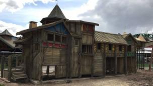 Baustelle von Themenbereich rund um Eine Reise durch das Mittelalter in Schloss Dankern