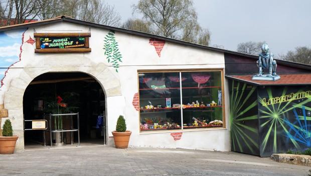 Schwarzlicht-Minigolf Eingang Schwaben Park