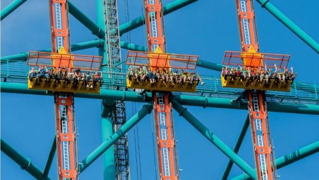 Six Flags Great Adventure Zumanjaro Drop of Doom