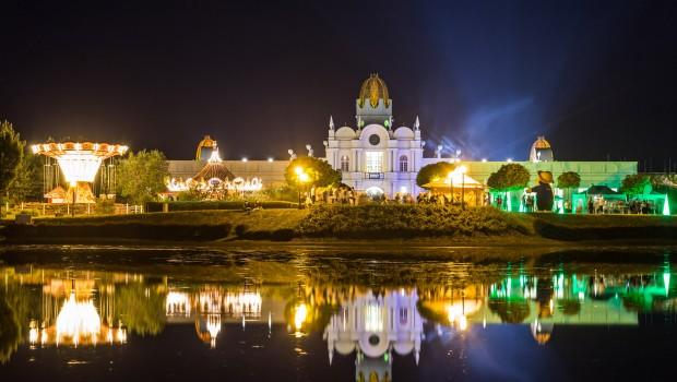 BELANTIS Schloss bei Nacht