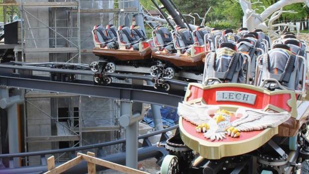 Lech Coaster Zug Abstellgleis