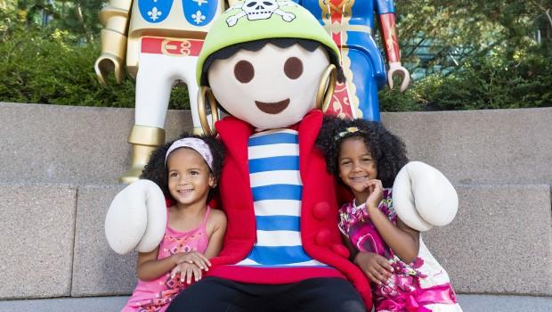 PLAYMOBIL-FunPark Maskottchen Rico mit Kindern