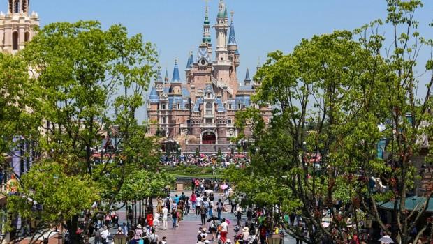 Shanghai Disneyland Way  to Castle