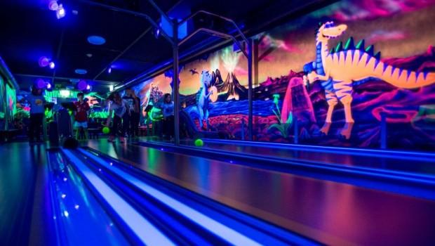 Kids Dinoworld Schwarzlicht-Minibowling
