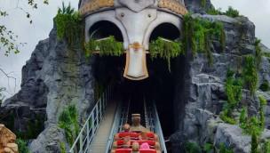 Tayto Park Viking Voyage Bergeinfahrt