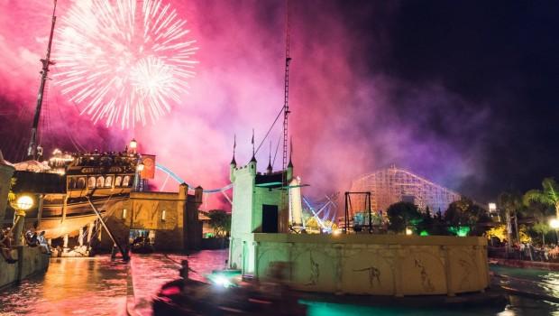 Atlantica Superslash Europa-Park mit Feuerwerk