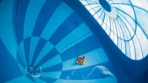 Größte Indoor-Wasserrutsche der Welt in Hof van Saksen eröffnet: Niederländischer Ferienpark mit drei Neuheiten 2017