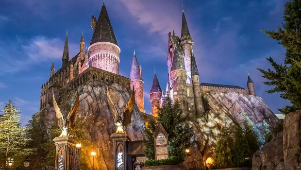 Hogwarts Universal Orlando Resort beleuchtet