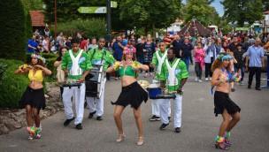 Kernie's Familienpark Samba-Tänzerinnen