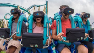 """""""Kraken Unleashed"""" in SeaWorld Orlando eröffnet: Einblick in das Virtual Reality-Abenteuer auf der Achterbahn"""