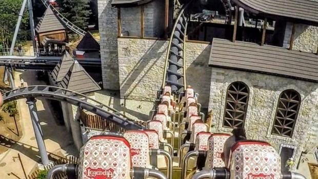 Lech Coaster Legendia Burg Kulisse