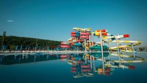 Kosovos größter Wasserpark eröffnet: 20.000 Quadratmeter großer AquaPark Ujëvara Resort bei Ferizaj