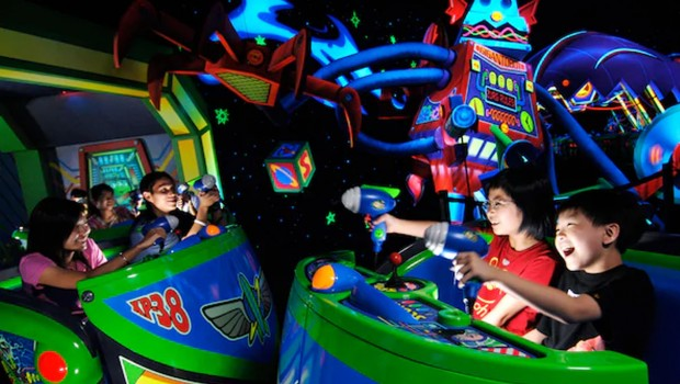 Hong Kong Disneyland Buzz Lightyear Astro Blasters