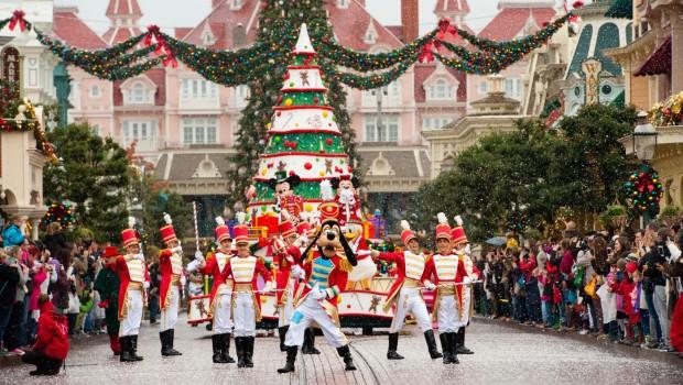 Disneyland Paris Christmas Parade Weihnachten